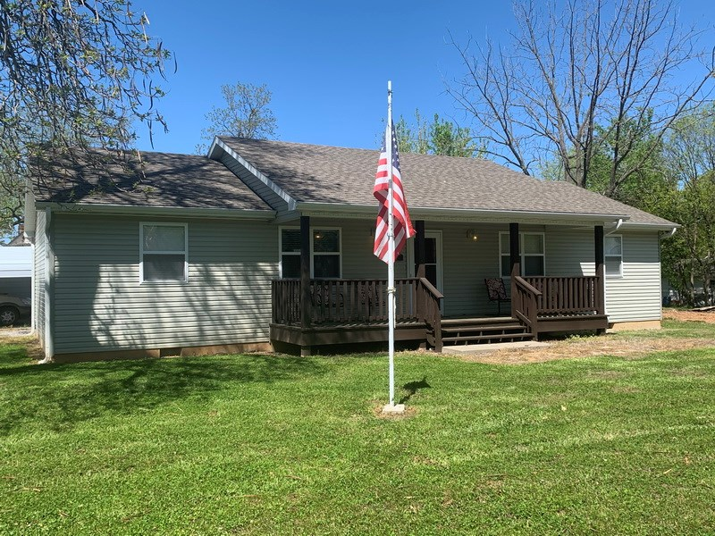 Newer Home For Sale in El Dorado Springs, MO