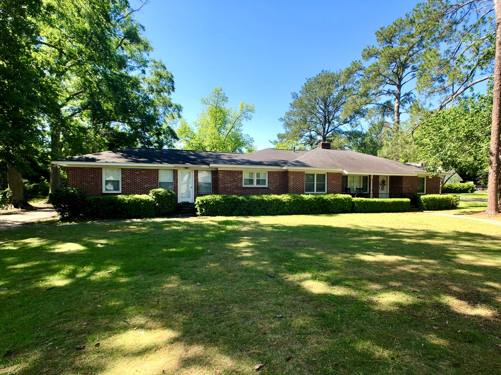 Large brick home in town for sale Hartford, Alabama