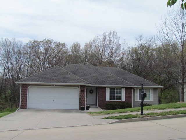 5 BR, 3 BA, 2 Car Garage on Wooded Lot in Columbia, MO