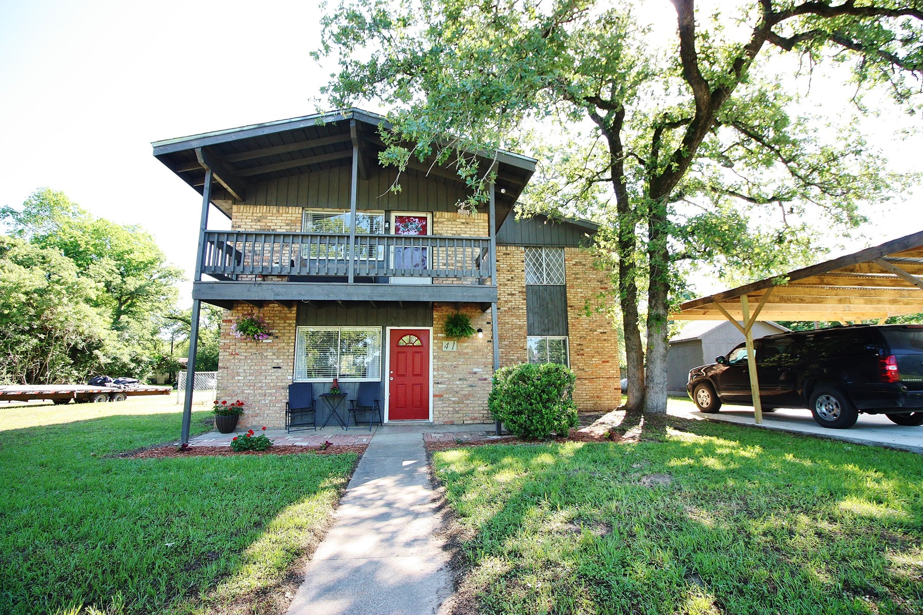 Home For Sale in Hilltop Lakes, TX