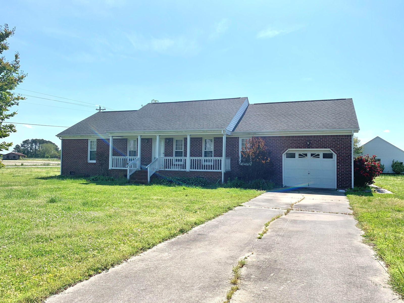 Brick home, close to the Virginia Line in Camden County!