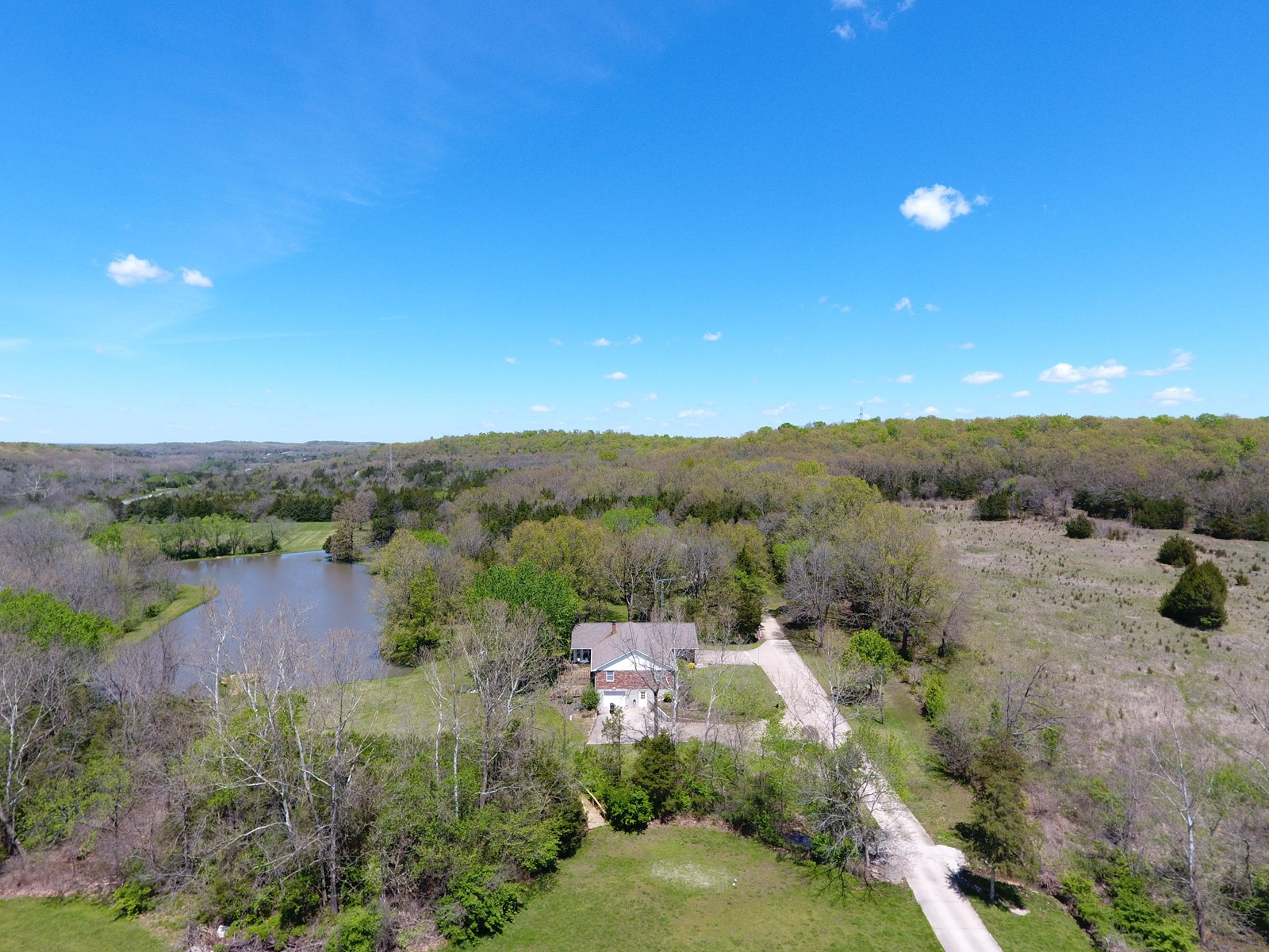 FOR SALE MINI FARM/COUNTRY HOME WITH LAKE IN PHELPS CTY MO