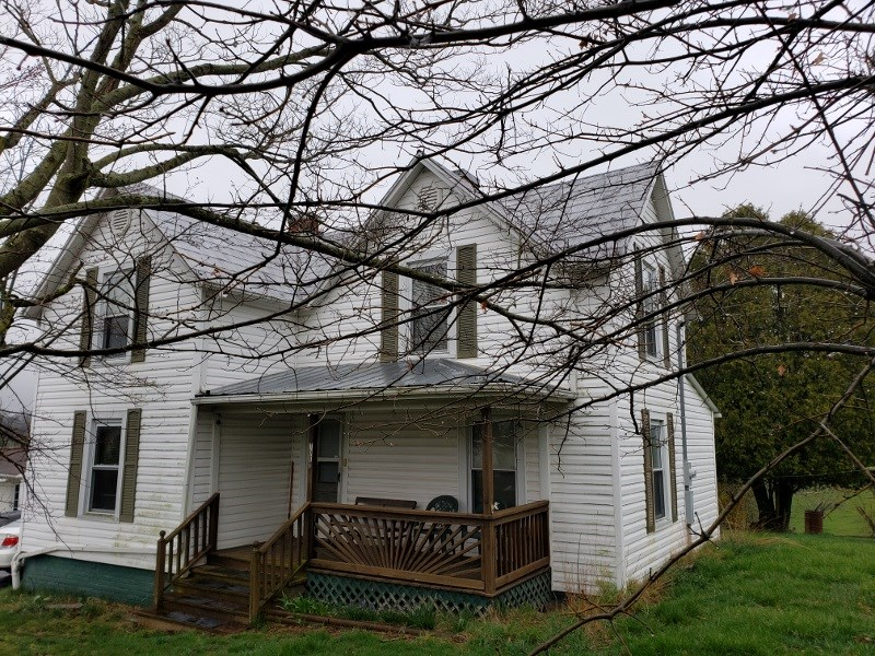 FARM HOUSE LOCATED IN THE TOWN OF WYTHEVILLE