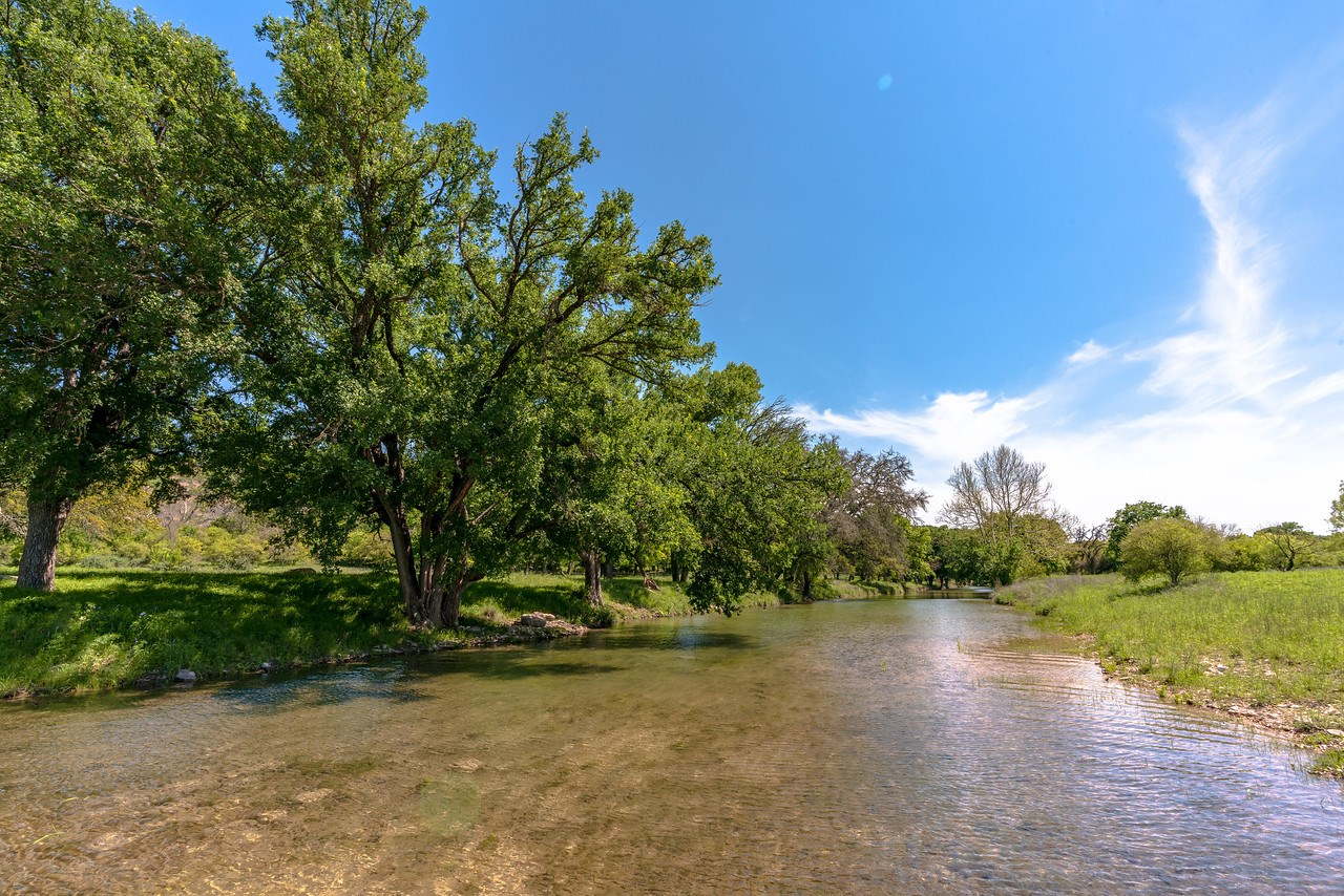 Everything the Hill Country has to offer in one property!