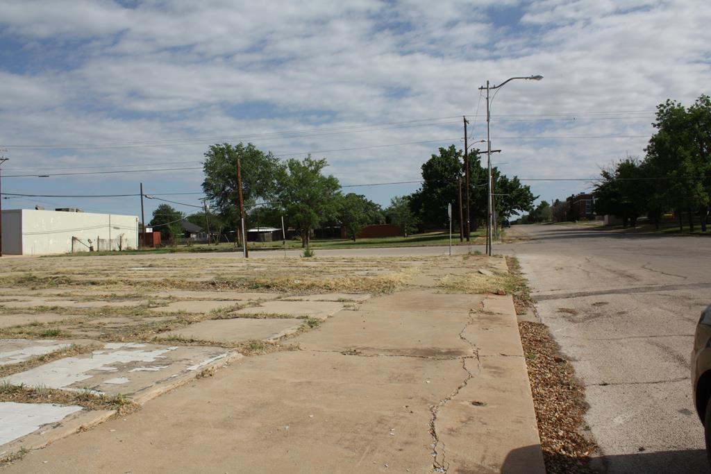 COMMERCIAL PROPERTY FOR SALE IN COLORADO CITY
