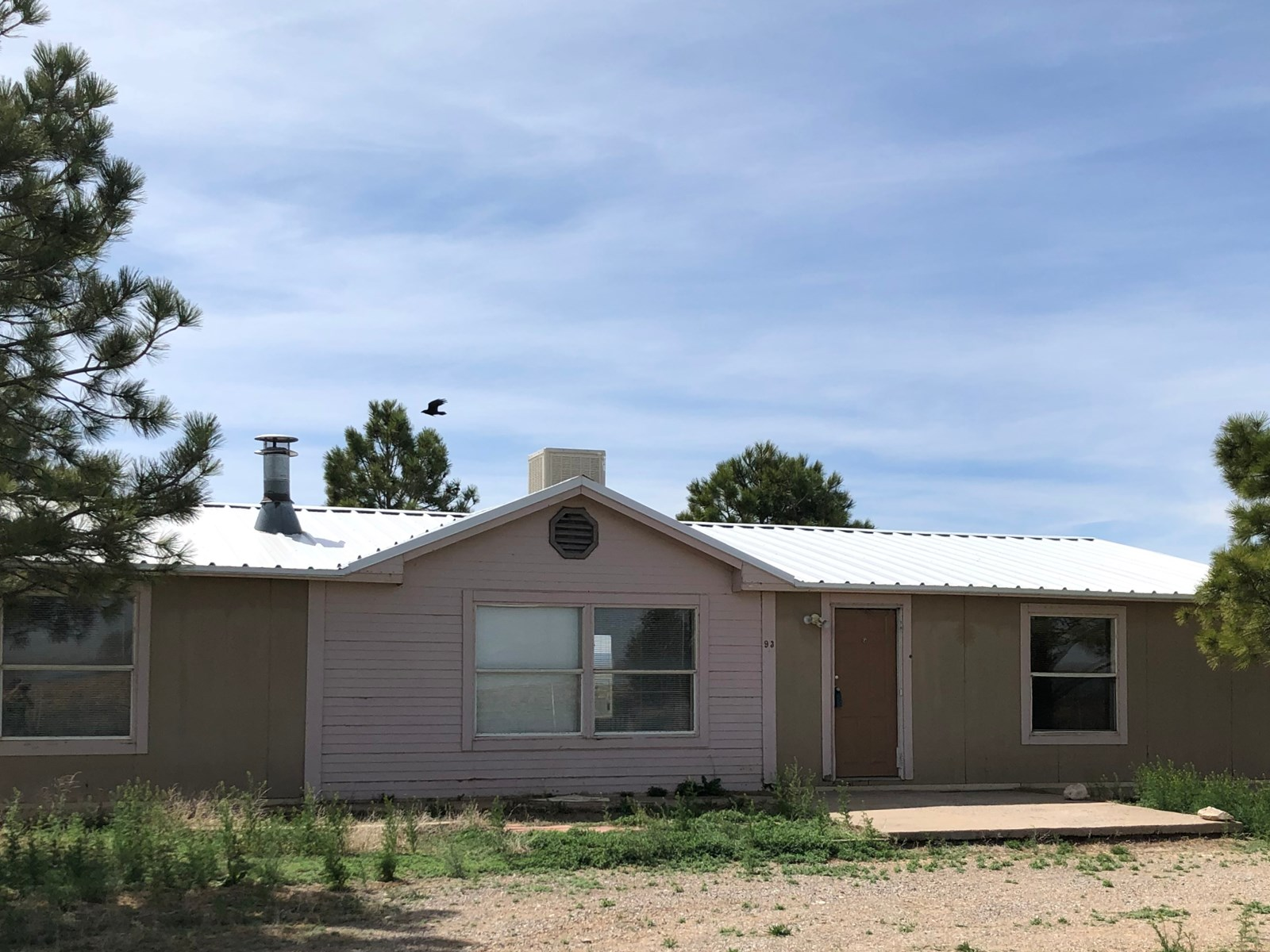 Santa Fe County, NM Manufactured Home on 10 Acres For Sale