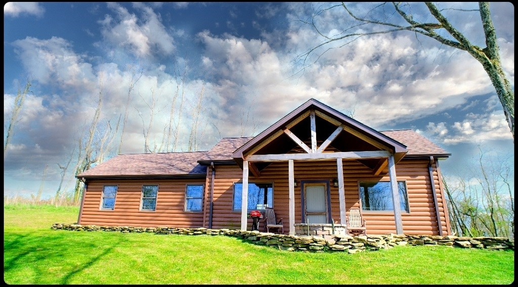 Secluded Ohio New Country Cabin style Home with 5 acres