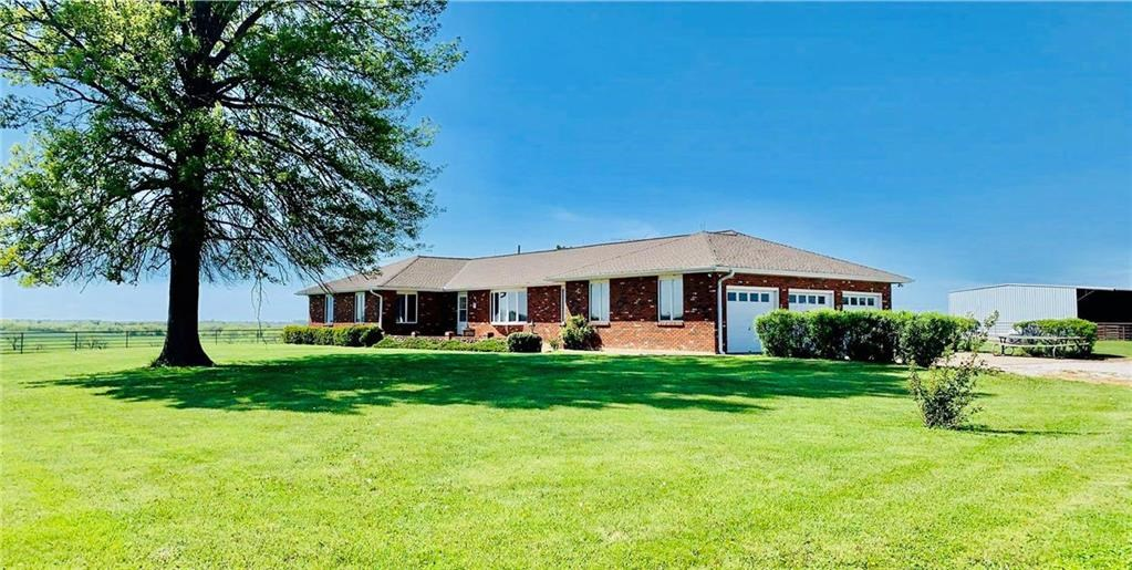 Ranch with Cattle/Horse Facility in Cass Co. Missouri