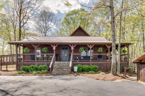 Country Home with Acreage for Sale, in Hampshire Tennessee