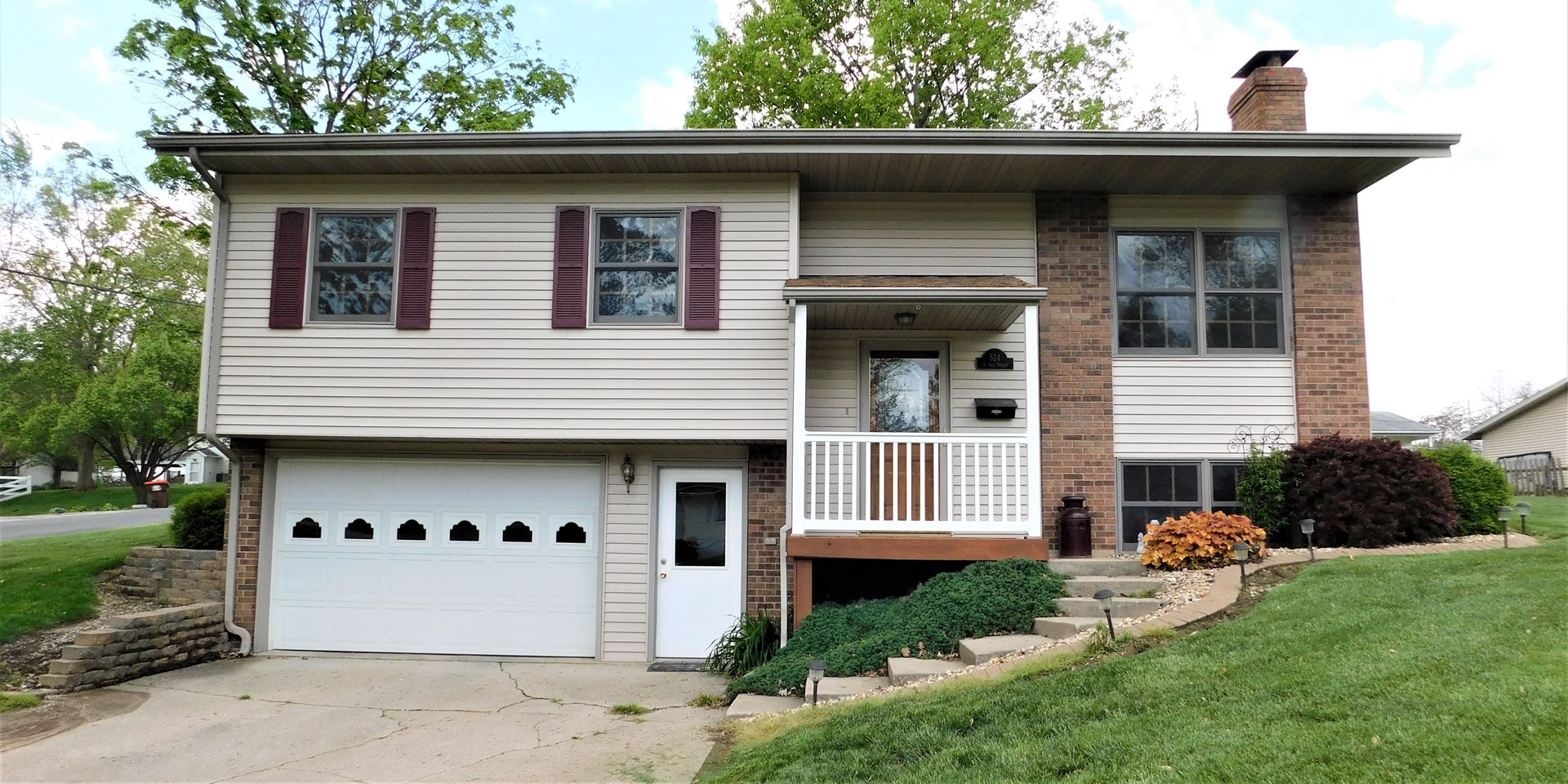 Immaculate 3 BR 2 BTH split level on oversized corner lot.