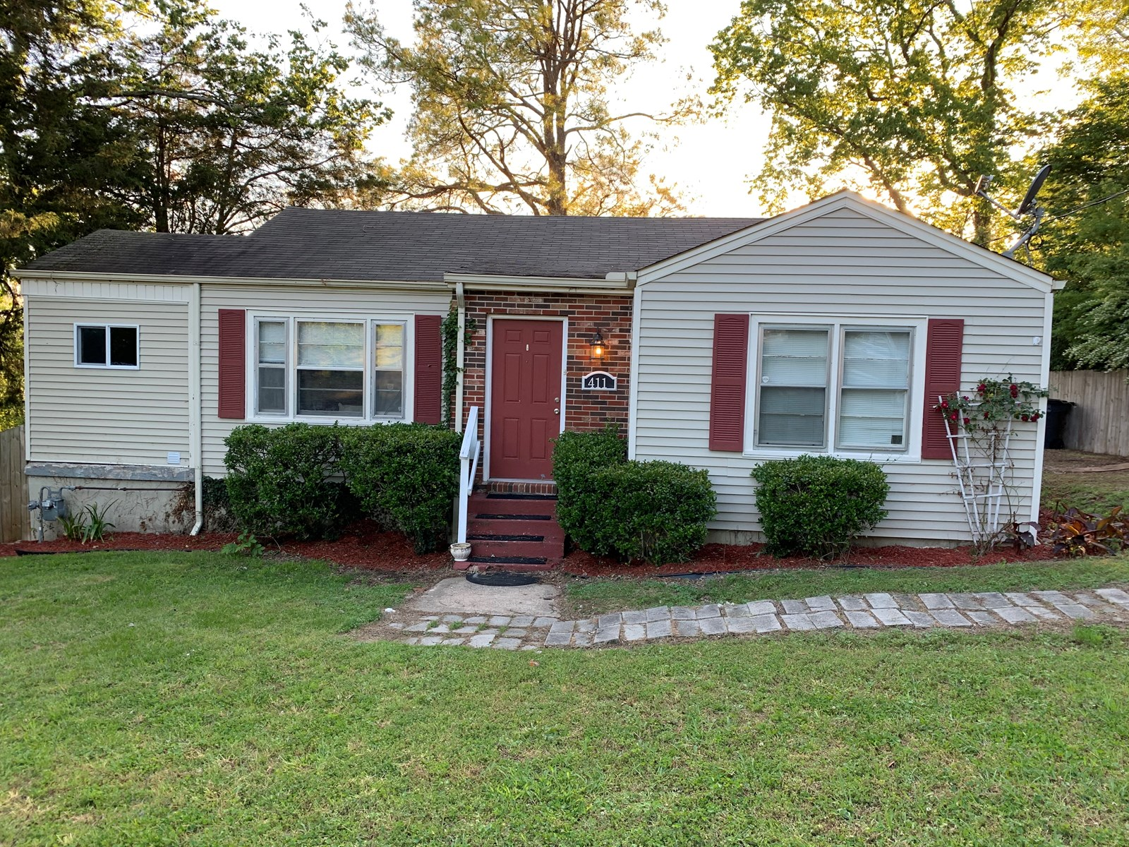 Cozy 2 bed 1 bath located in Columbia, TN