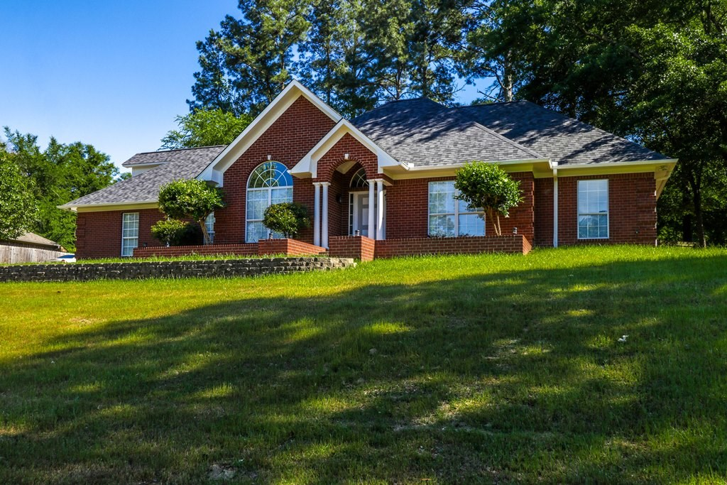 PRISTINE MOVE-IN READY HOME FOR SALE IN SOUTH TYLER TX