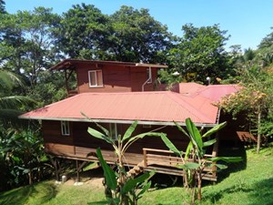 TITLED HILLTOP HOME IN BOCAS DEL TORO PANAMA