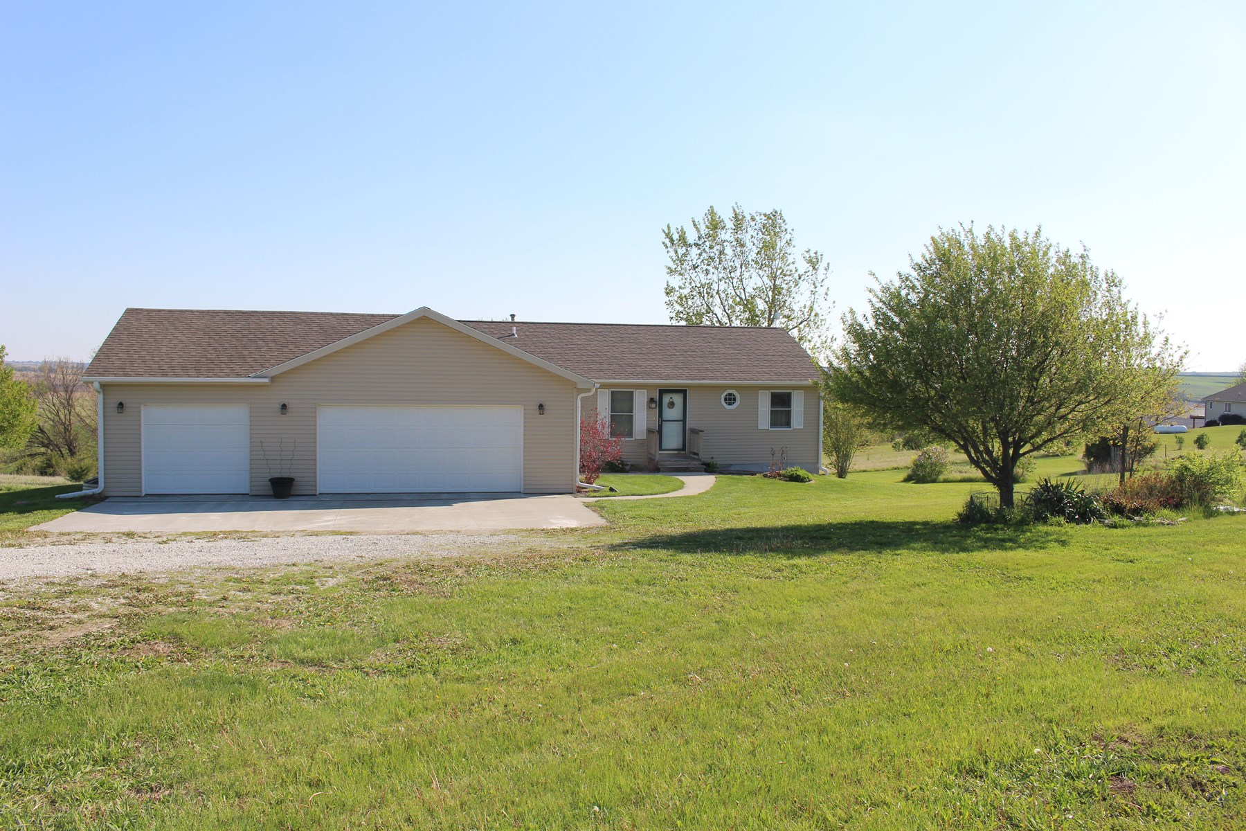 Southwest Iowa Country Home Acreage
