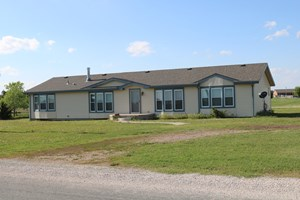 COUNTRY HOME IN GREENSBURG, KS FOR SALE