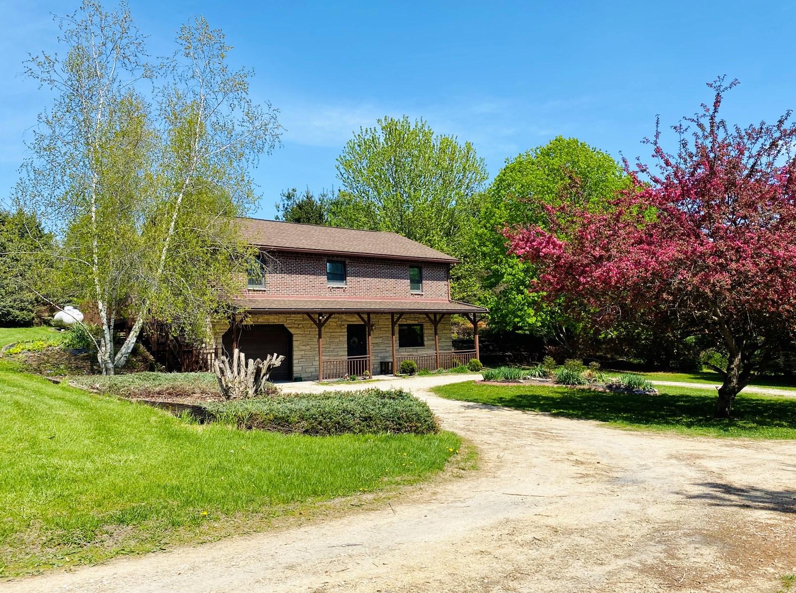 Monticello Iowa Country Home For Sale