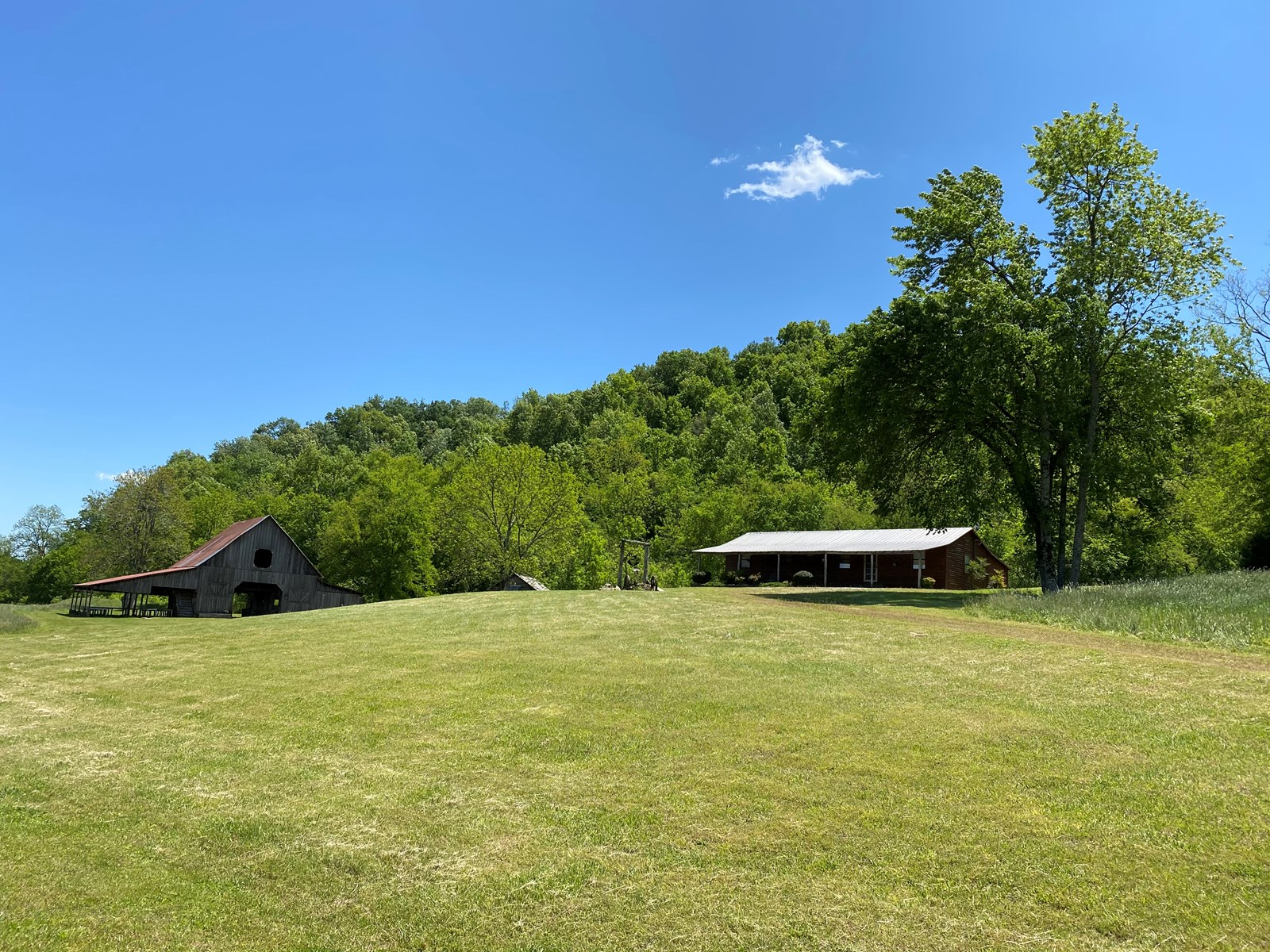 Tennessee Farm For Sale With Multiple Cabins