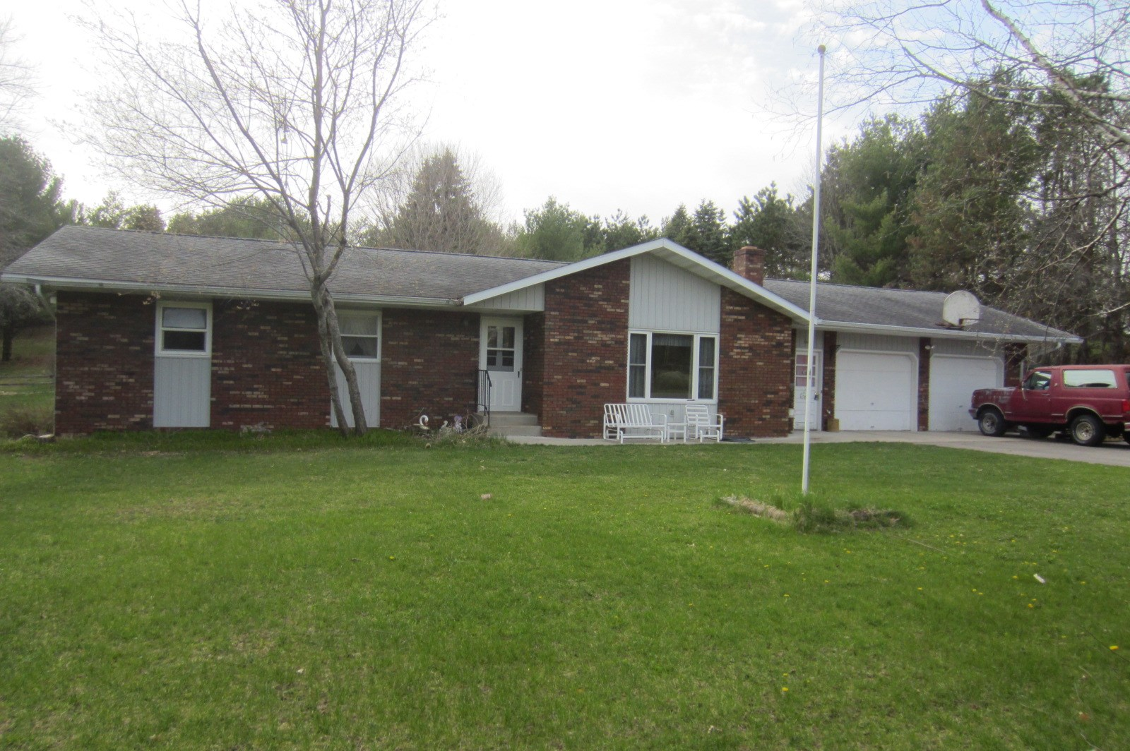 Country Home for Sale in Amherst, WI
