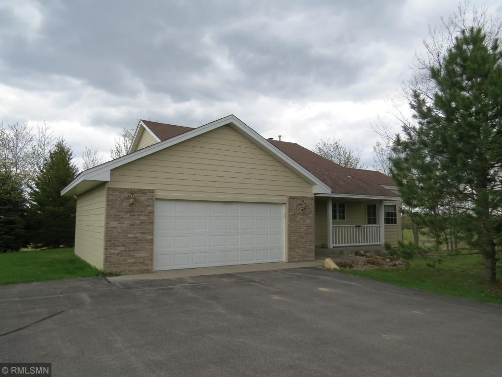 Home For Sale on Acreage in Prior Lake, Minnesota
