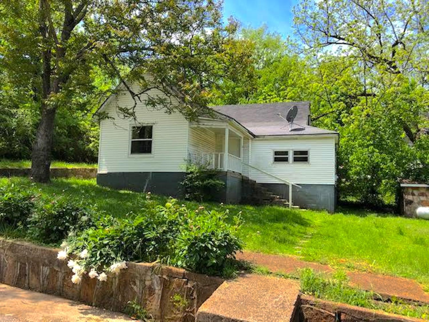 Home for Sale in Thayer, MO