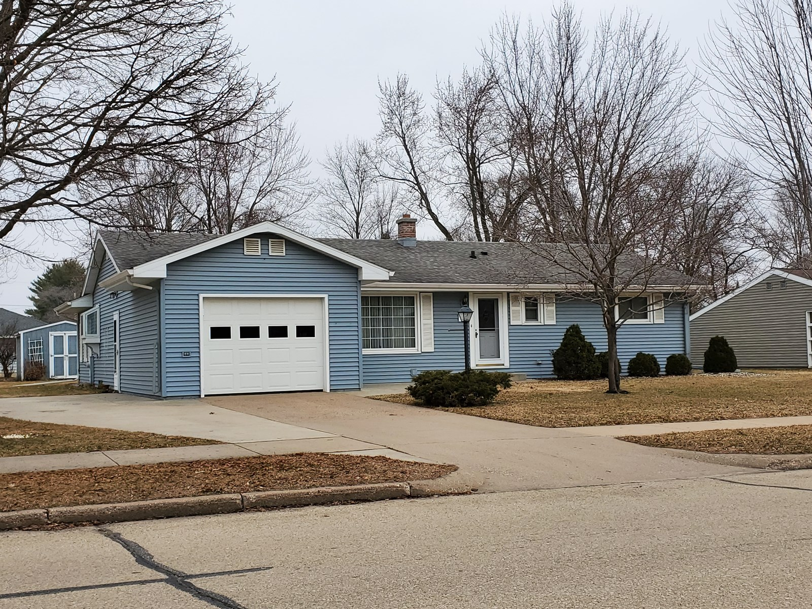 Home for Sale in the City of Waupaca