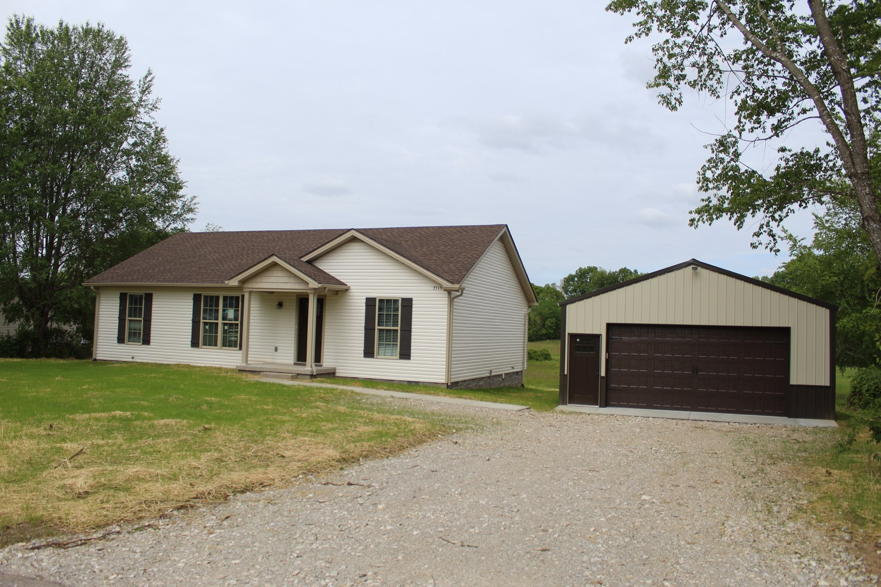 New 3 bedroom 2 bath home for sale in Warren County Ky.