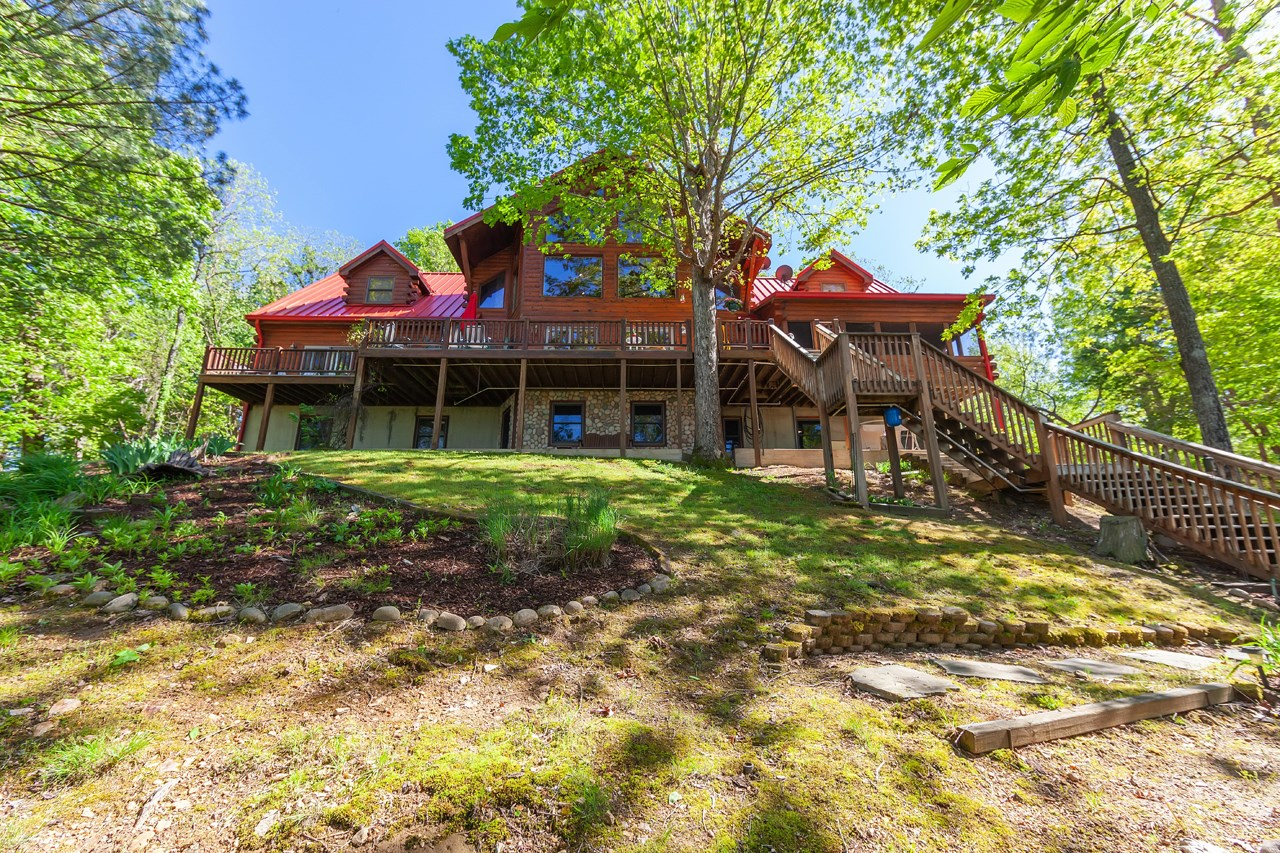 Tn Riverfront Log Home for Sale, Deepwater Dock, Shop, Fun!