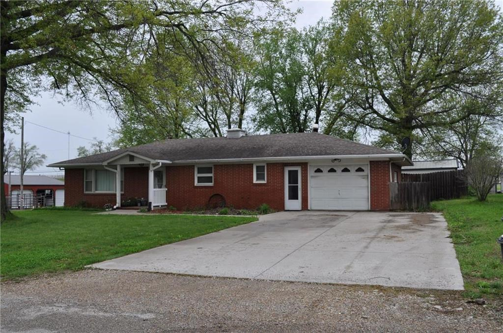 Spacious 3 Bedroom Ranch Home. Corner Lot on Edge of Town