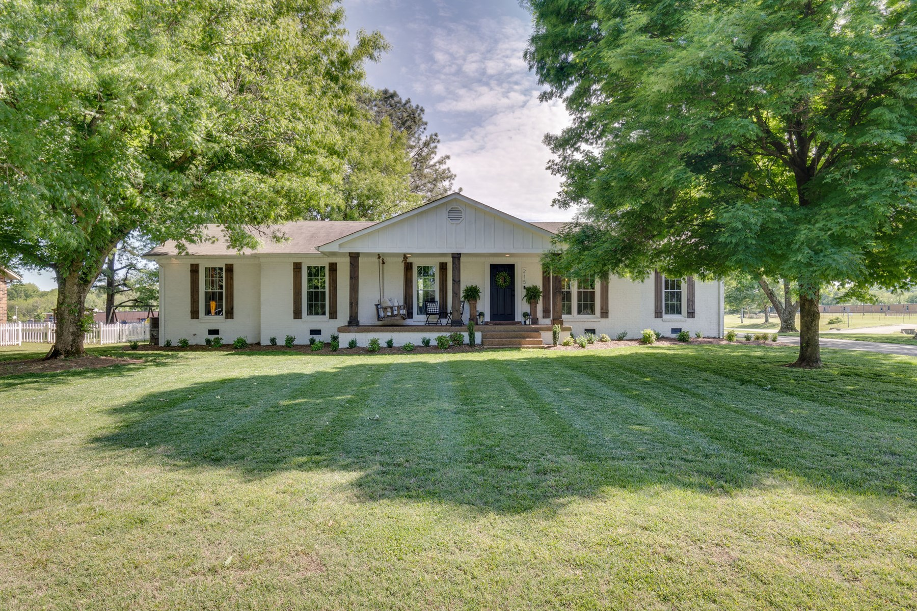 All Brick Home in Town for Sale in Mount Pleasant, Tennessee