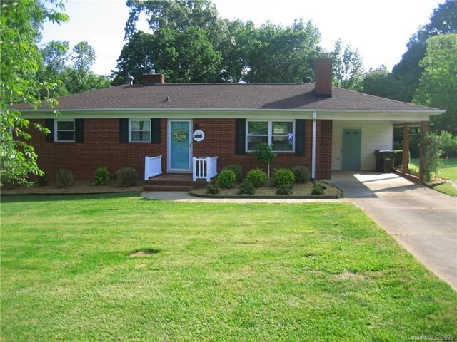 Brick Home For Sale in Matthews NC
