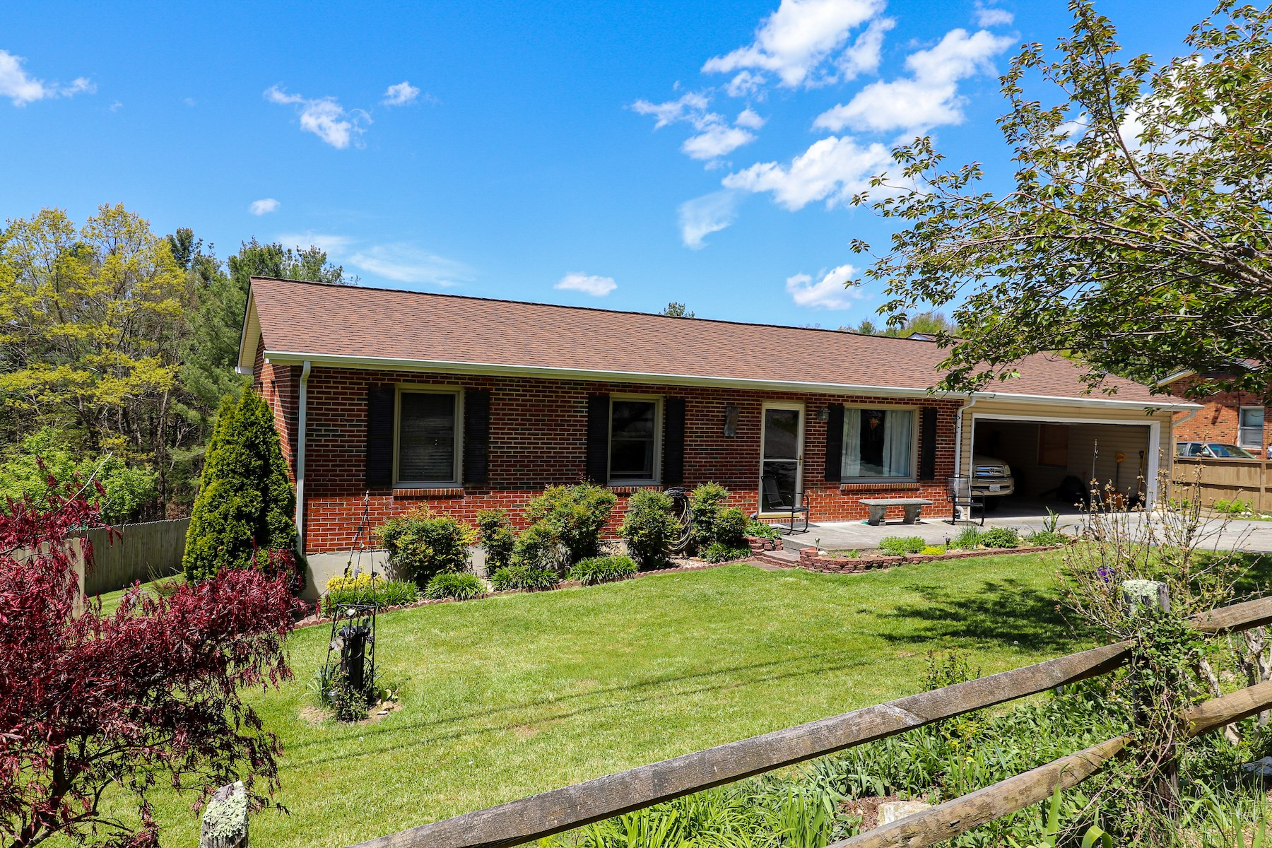 Beautiful Home for Sale in Bent Mountain VA!