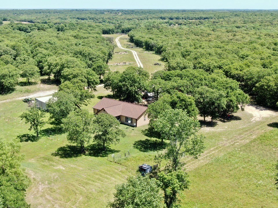 SOUTHERN OKLAHOMA COUNTRY HOME W/WOODED ACREAGE FOR HUNTING