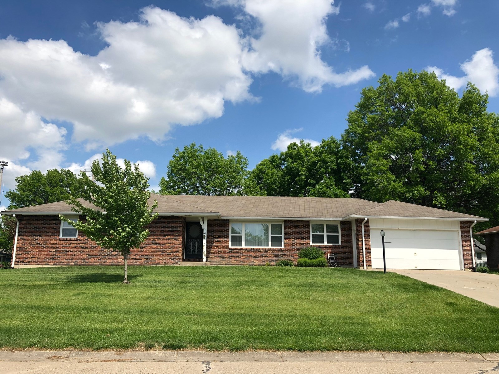 For Sale Brick Home Corner Lot Chillicothe, MO
