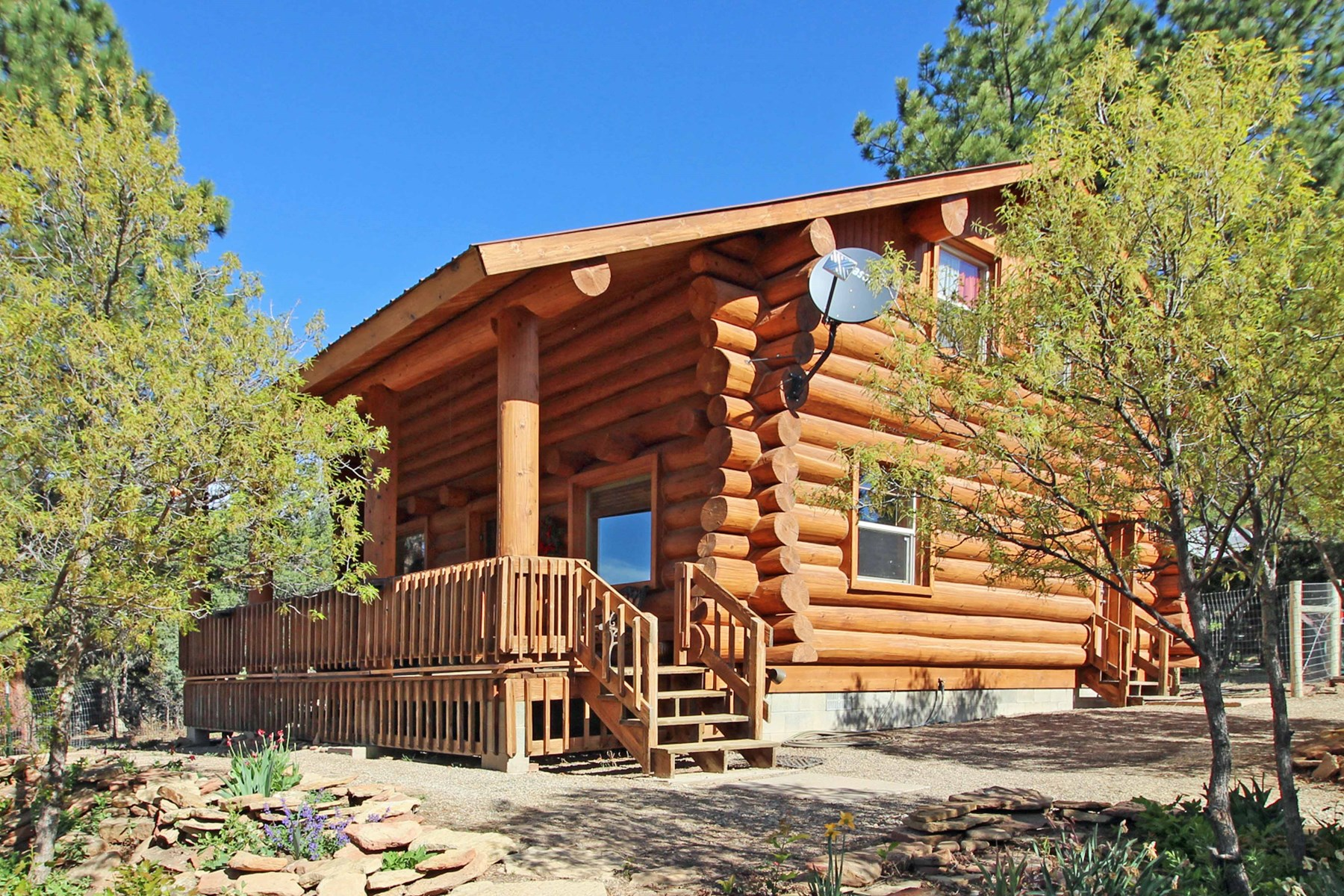 Equine Property on 6 acres with log home in Mancos, Colorado