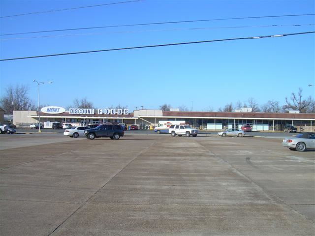 Commercial Buildings with Lot For Sale