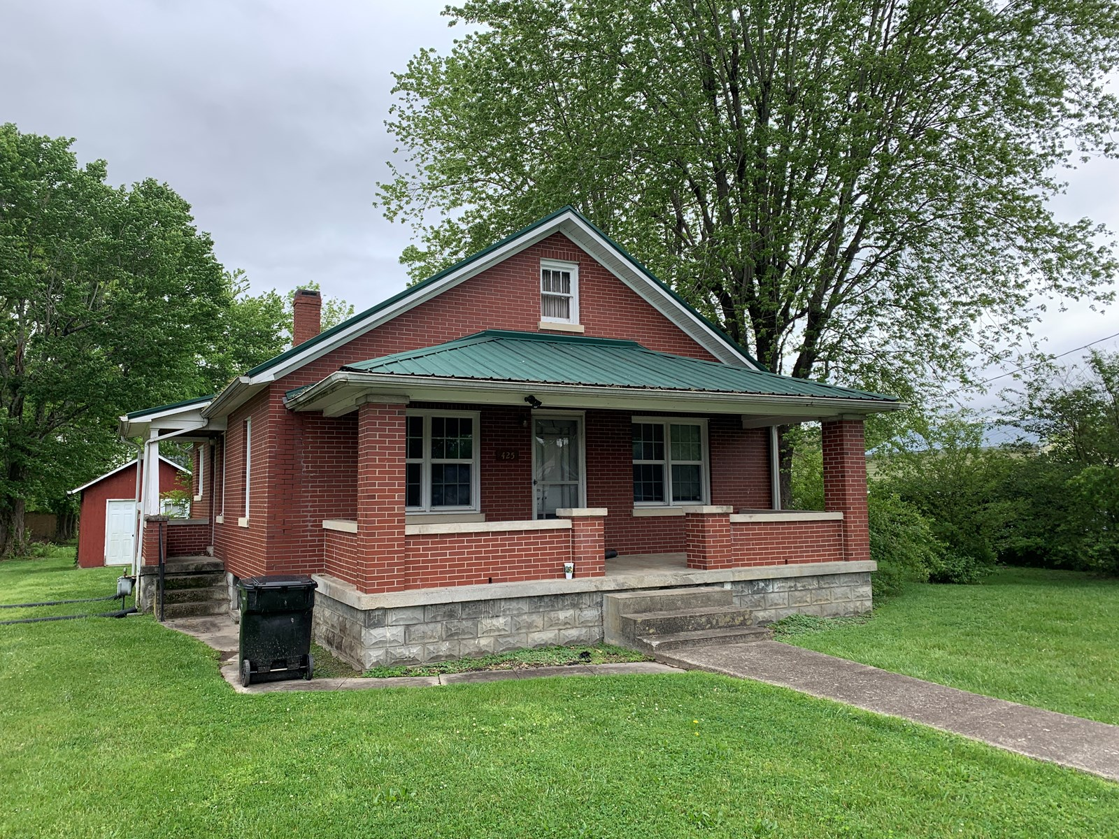 BRICK HOME IN TOWN - BASEMENT - GOOD LOCATION - LIBERTY, KY.
