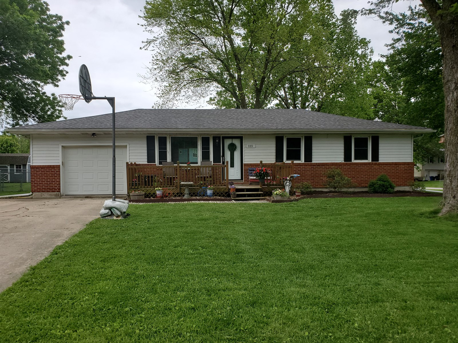 Windsor Mo Home For Sale, Henry County