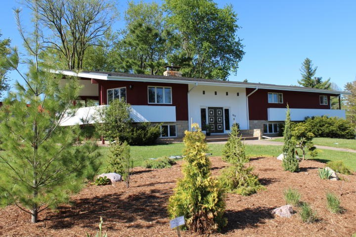 Spacious 5 Bedroom 3 Bath Home for sale in Viroqua, WI
