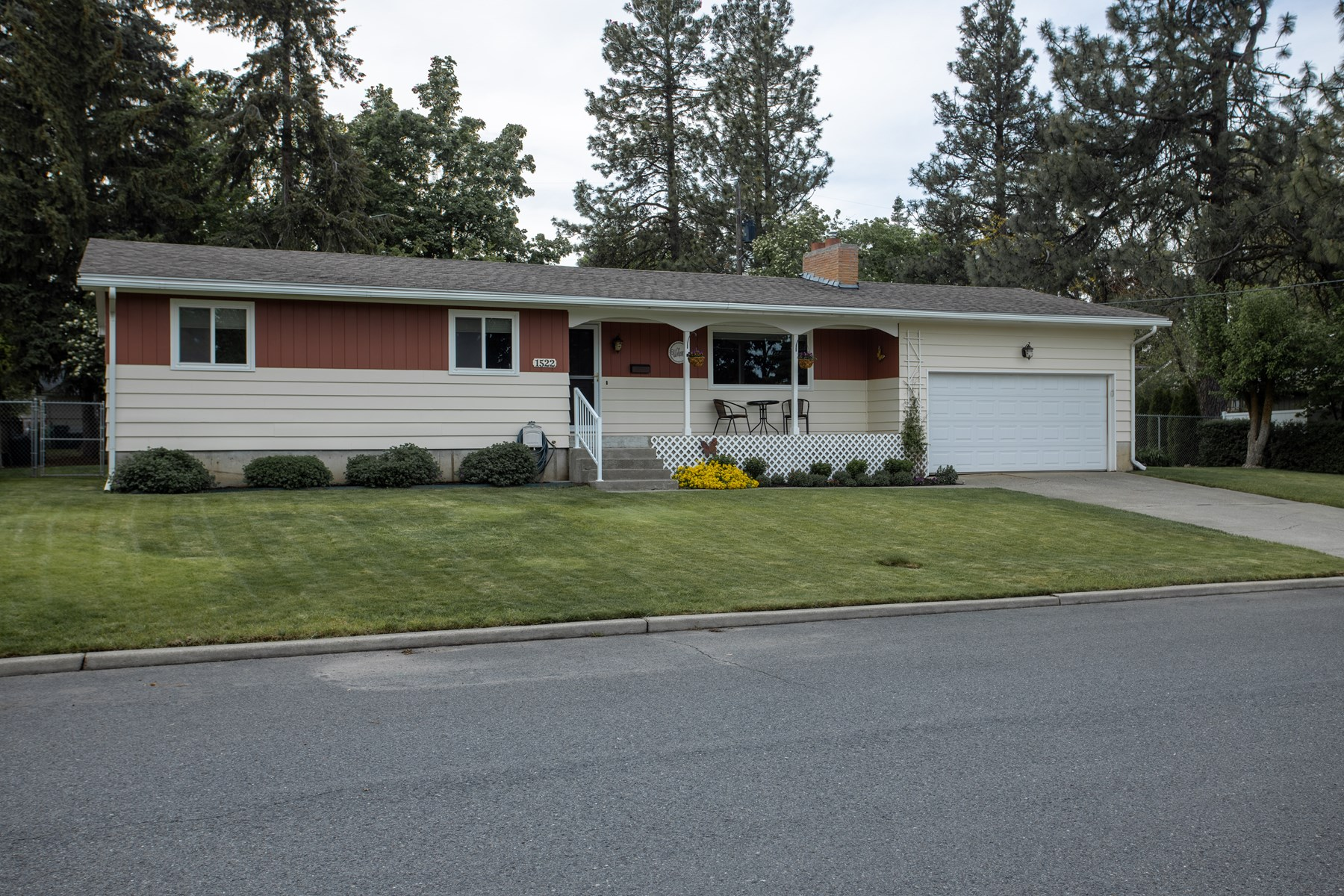 Rare, Ranch Home on a Large Lot for Sale in Cheney, WA