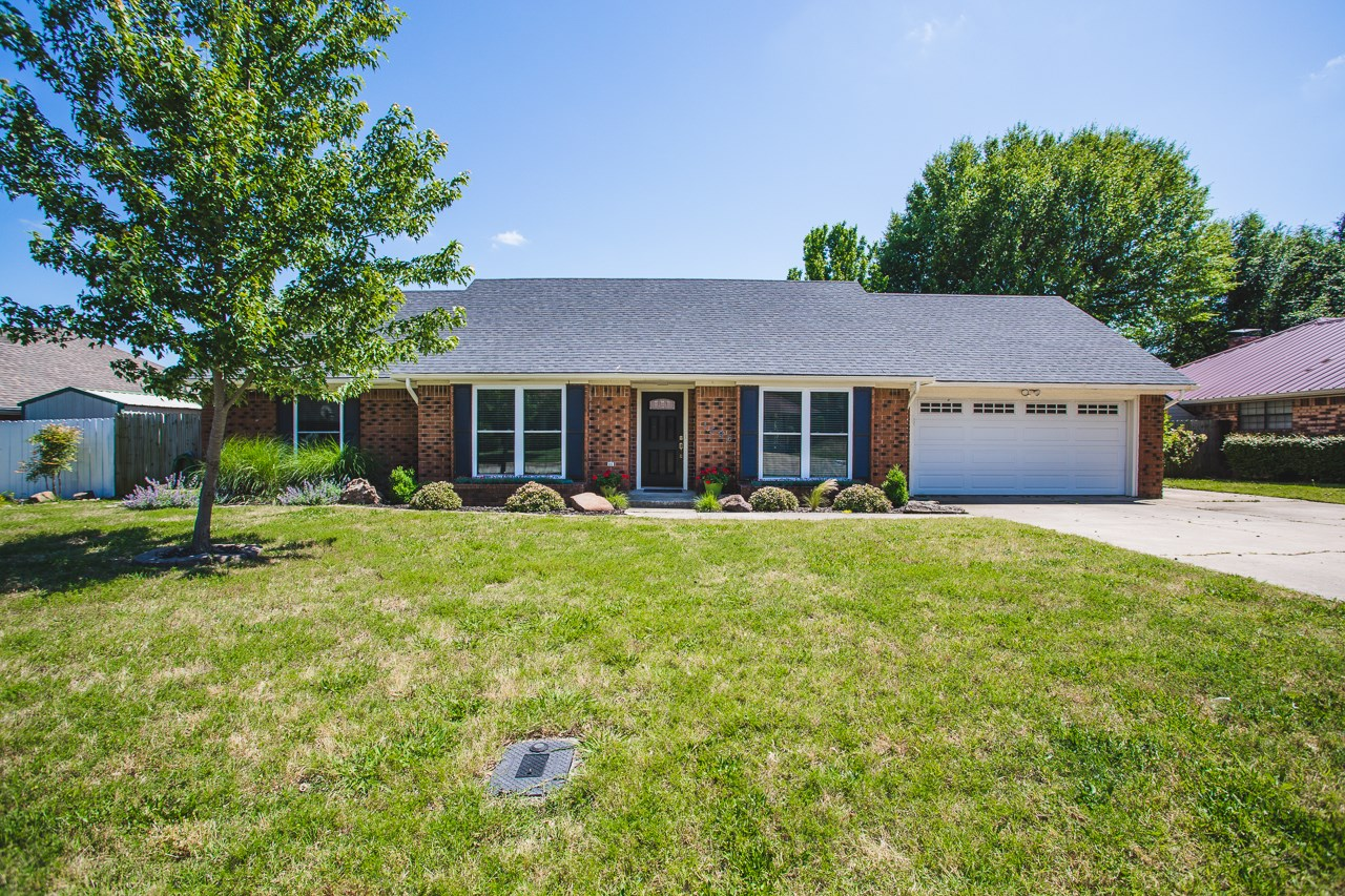 Four Bedroom in Plainview School District