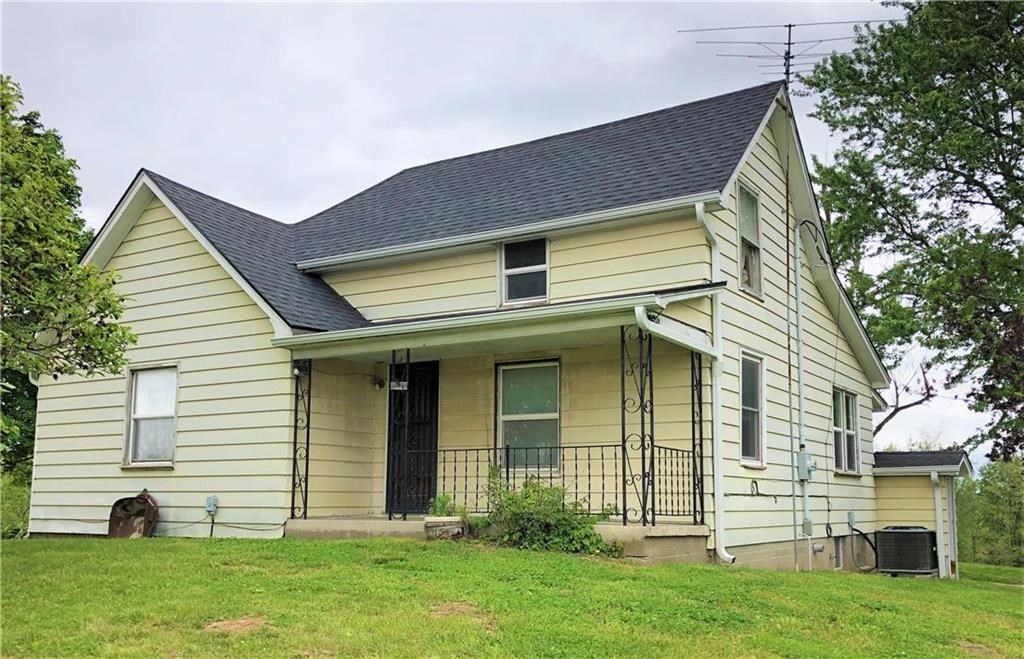 Country Home on 20 Acres in Andrew County, 3 Bed