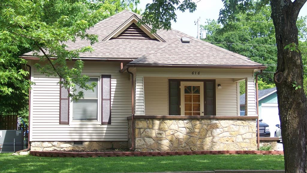 Home for Sale in Chanute, KS.