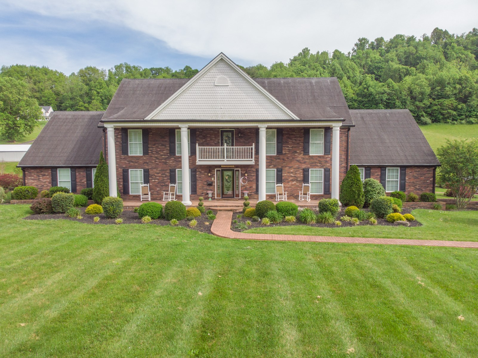5 BR 2.5 BA Country Home with  29 Acres Baptist Valley