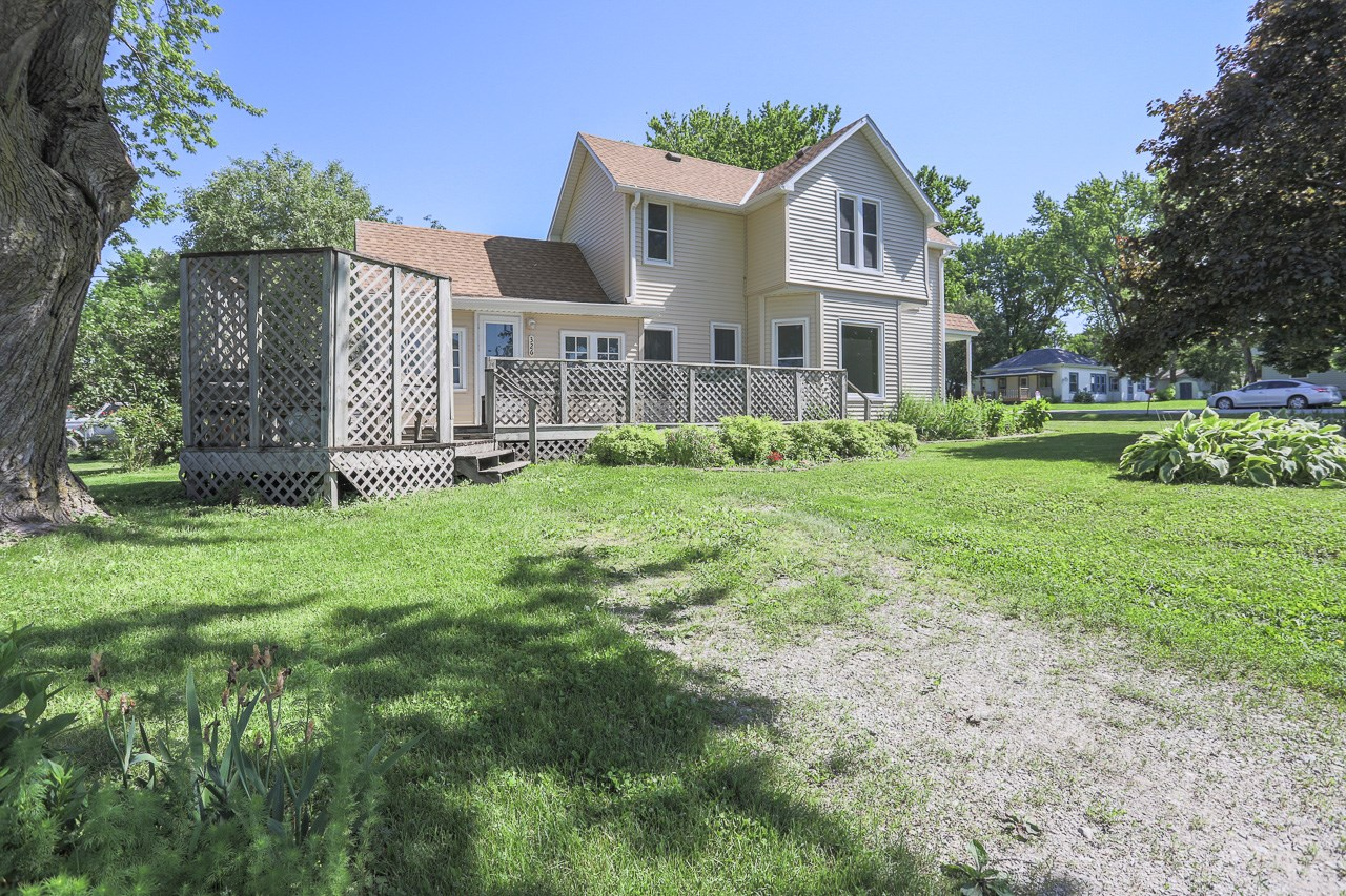 Single family 2 story 4 bdrm Carson, IA Riverside District