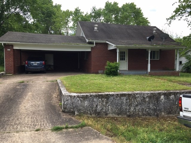 OLDER HOME IN CALICO ROCK, AR FOR SALE