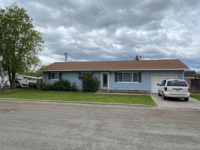 Clean 3bed/2 bath 1,196 sq.ft home for sale in Alturas, Ca.