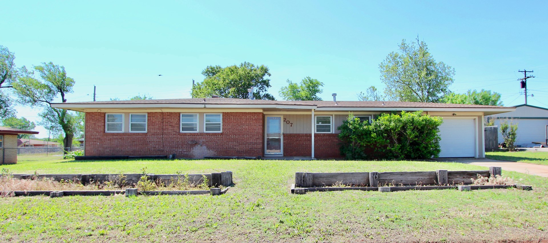 UPDATED HOME FOR SALE IN WESTERN OKLAHOMA