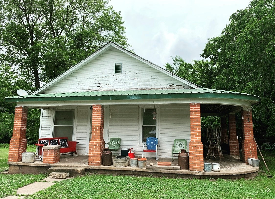 2 Bedroom 1 Bath Home with 23 lots for sale in Ralston Ok
