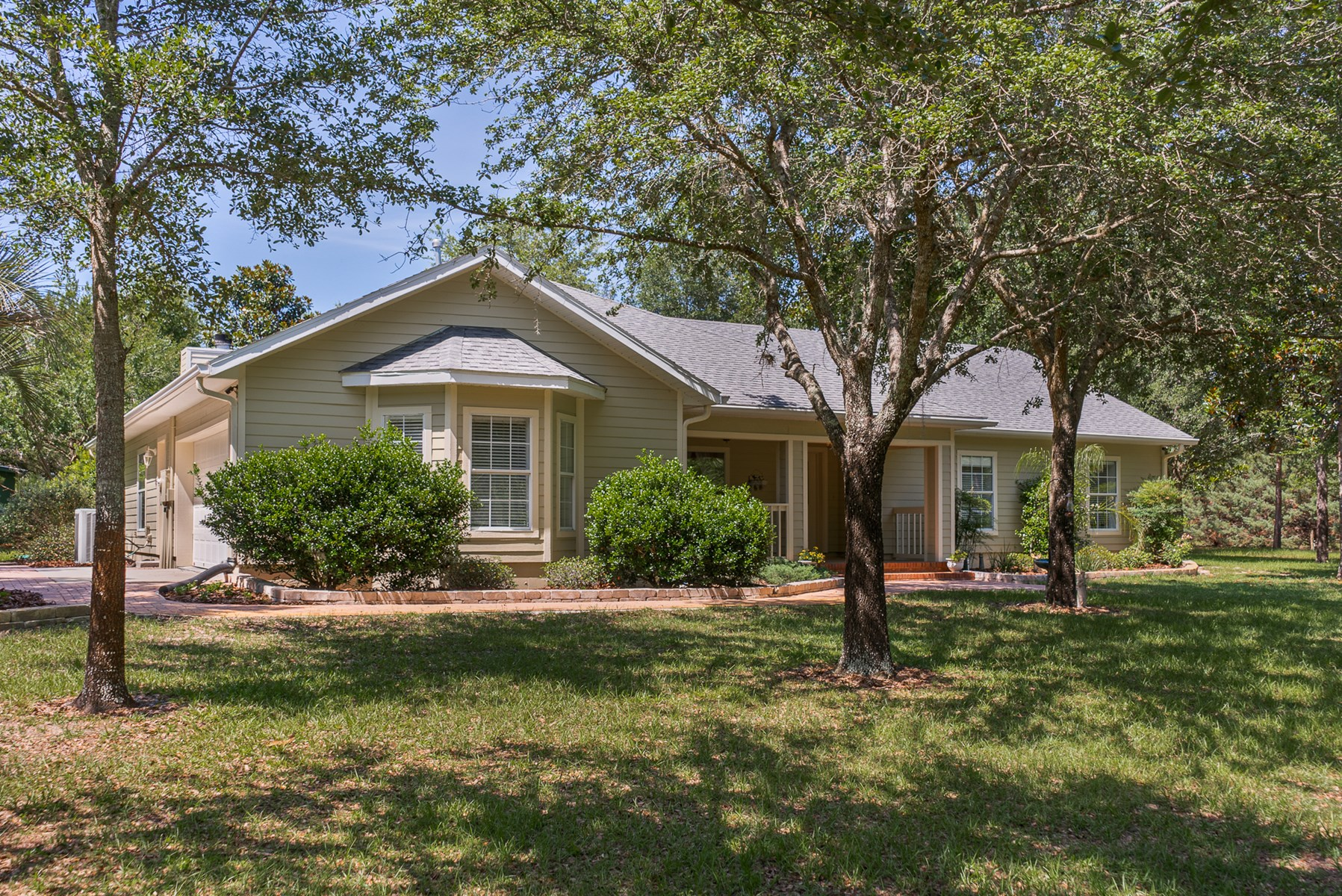 COUNTRY HOME FOR SALE ON 10 ACRES - Trenton, Gilchrist Co FL