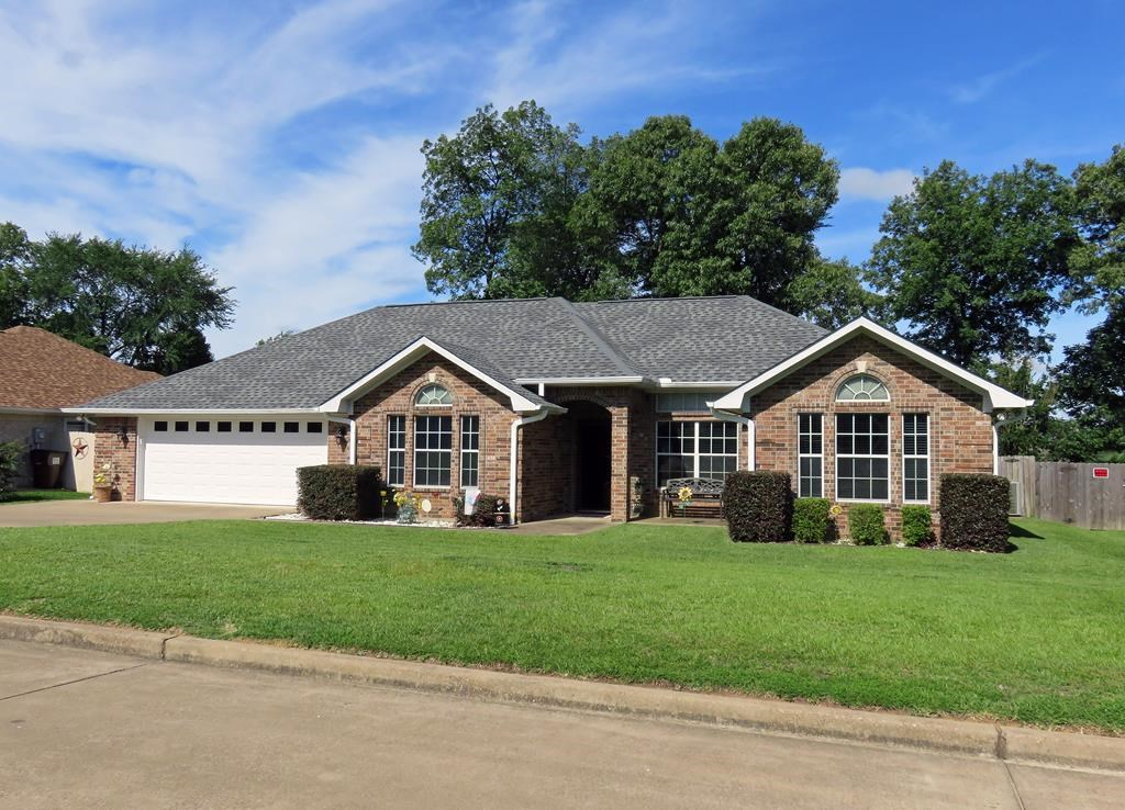 NICE 3/2 HOME IN DESIRABLE EAST TEXAS NEIGHBORHOOD